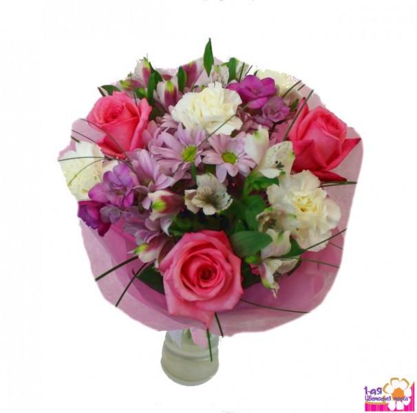 Доставка букетов цветов за границу штамбовые розы в крыму купить